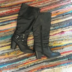 Black NEW Heel Boots Never Worn Size 11